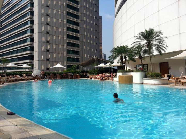Island Shangri-la Gym Pool_151833