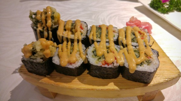 Veggie soft shell crab roll
